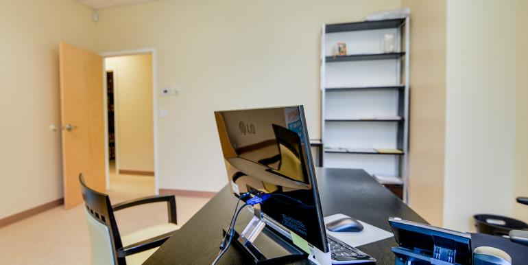 7B_Office 4 Alt