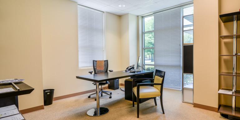 7_ Office 4