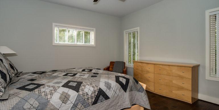20_-bedroom-4