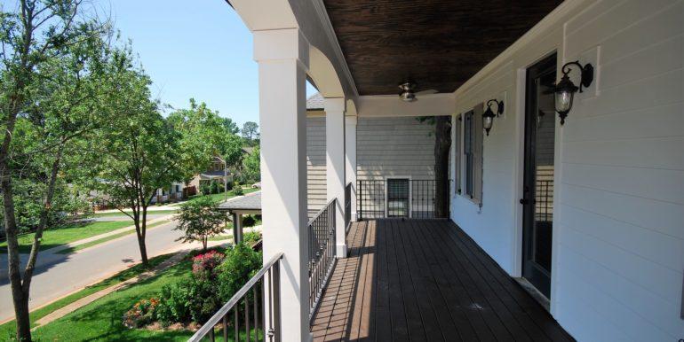 6_Balcony