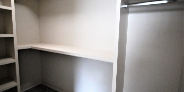 12_master closet